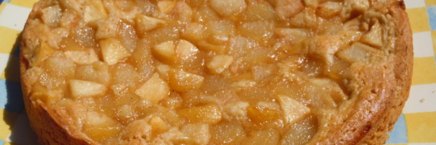 Ciasto vegan z gruszkami karmelizowanymi