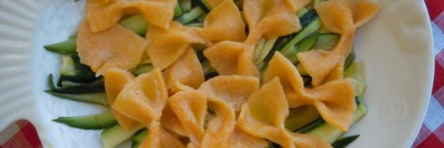 Viva la pasta! cz.19, Farfalle arancioni con zucchine