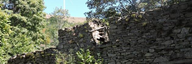 Cascine Landi – domy widma na polanie