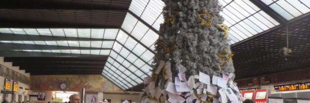 Choinka na stacji Santa Maria Novella we Florencji