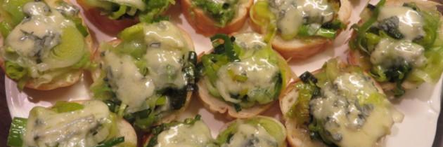 Crostini z porem i gorgonzolą