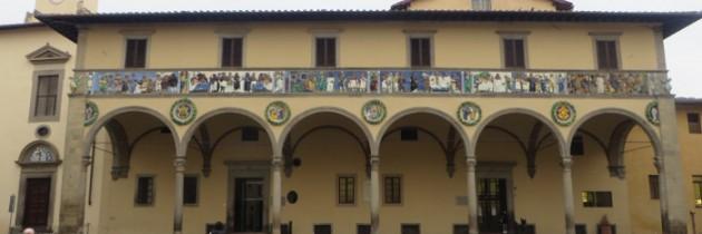 Stary szpital w Pistoi bez rusztowań
