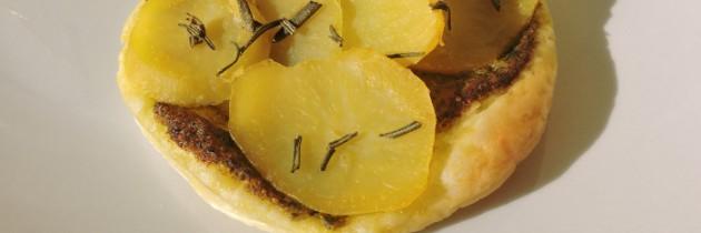 Słone ciastka z ziemniakami i rozmarynem