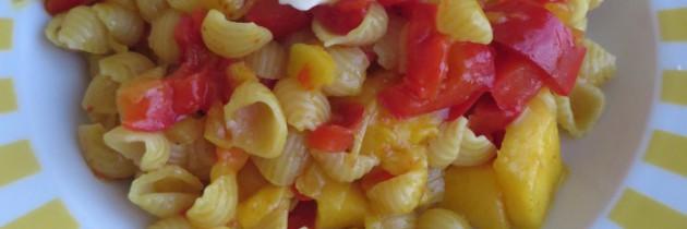 Viva la pasta!, cz.67, Muszelki z papryką, mango i kurkumą