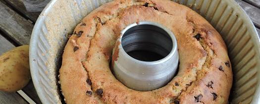 Ciasto ziemniaczane z łezkami czekoladowymi i rodzynkami