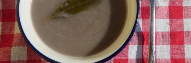 Zupa krem z czerwonej cebuli