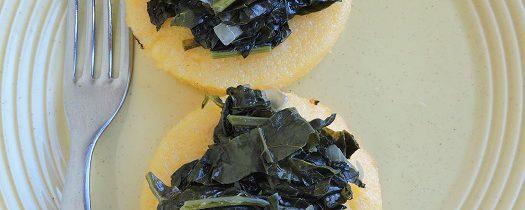 Grillowana polenta z czarną kapustą