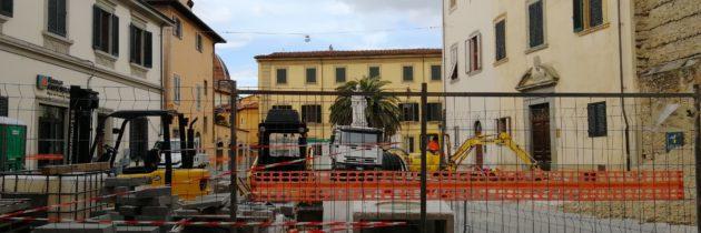 Piazza dello Spirito Santo w połowie oddana do użytku