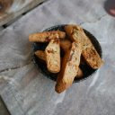 Cantuccini kasztanowe z figami i orzechami włoskimi