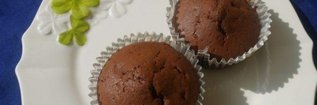 Babeczki czekoladowe na śmietanie
