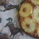 Ciasto ananasowe z rodzynkami i orzechami włoskimi