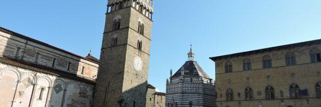 8 minut i 46 sekund ciszy na Placu Katedralnym w Pistoi