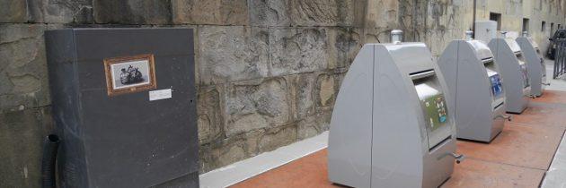 Street artist l_db i sprawa nowych śmietników przy Placu Katedralnym