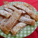 Włoskie faworki z mąki kamut