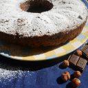 Dzień Kobiet: nie torta mimosa, ale ciasto żytnie z orzechami laskowymi i gorzką czekoladą