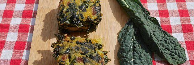 Smażone kwadraty z polenty, czarnej kapusty i fasoli borlotti