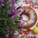 Ciasto kukurydziane z truskawkami
