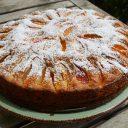 Żytnie ciasto z morelami