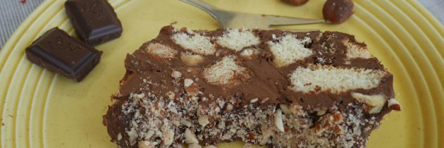 Cegiełka czekoladowa z orzechami laskowymi i savoiardami