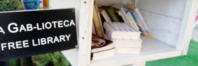 Książki do budki przy poczcie