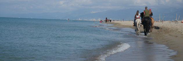 Toskańska plaża w październiku