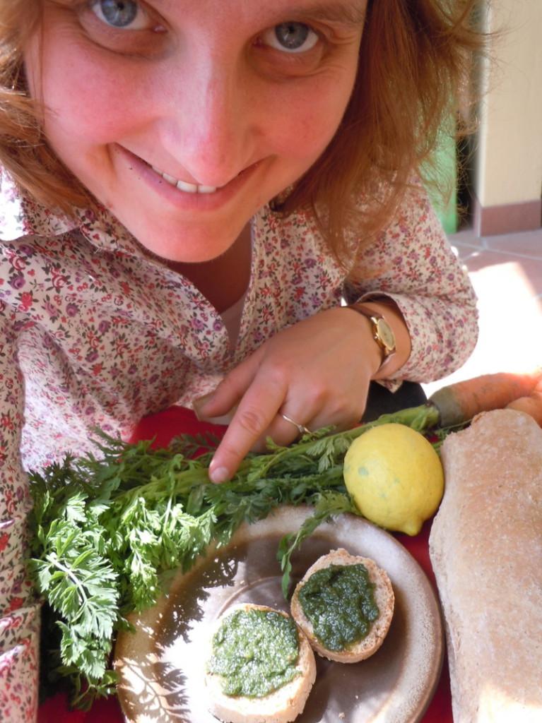 Pesto z lisci marchwi