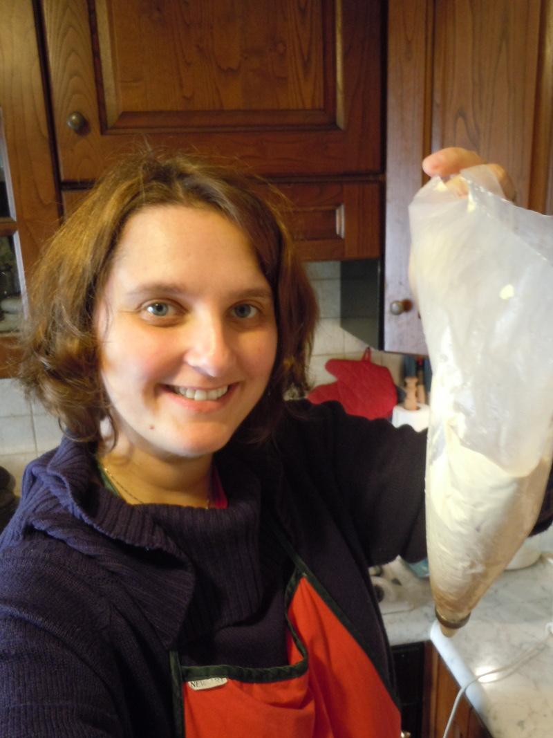 Przyrzadzanie ciasteczek o nazwie stortini (kuchnia toskanska)