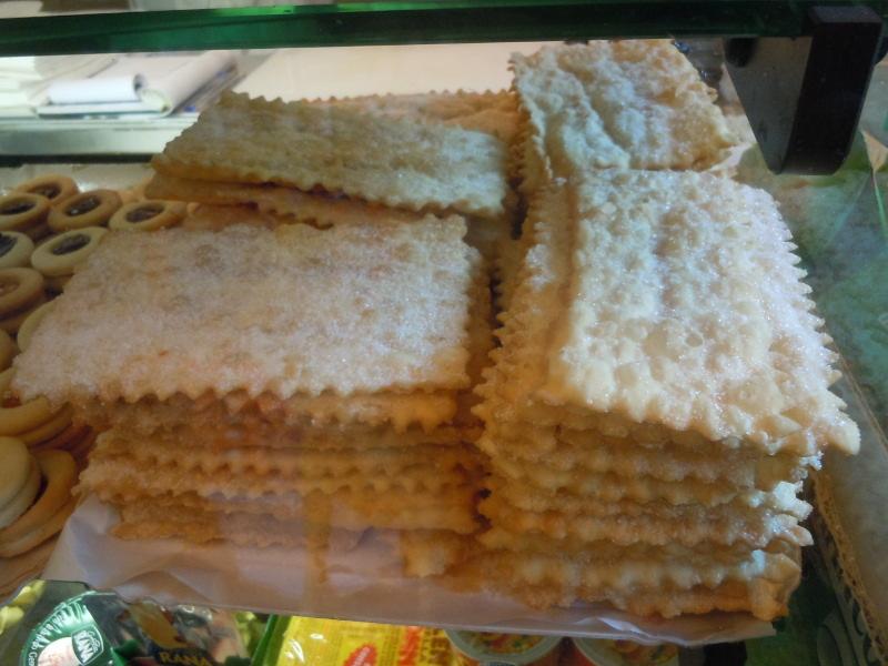 Druga piekarnia na Placu Sali, faworki sprowadzane az z miejscowosci Alba