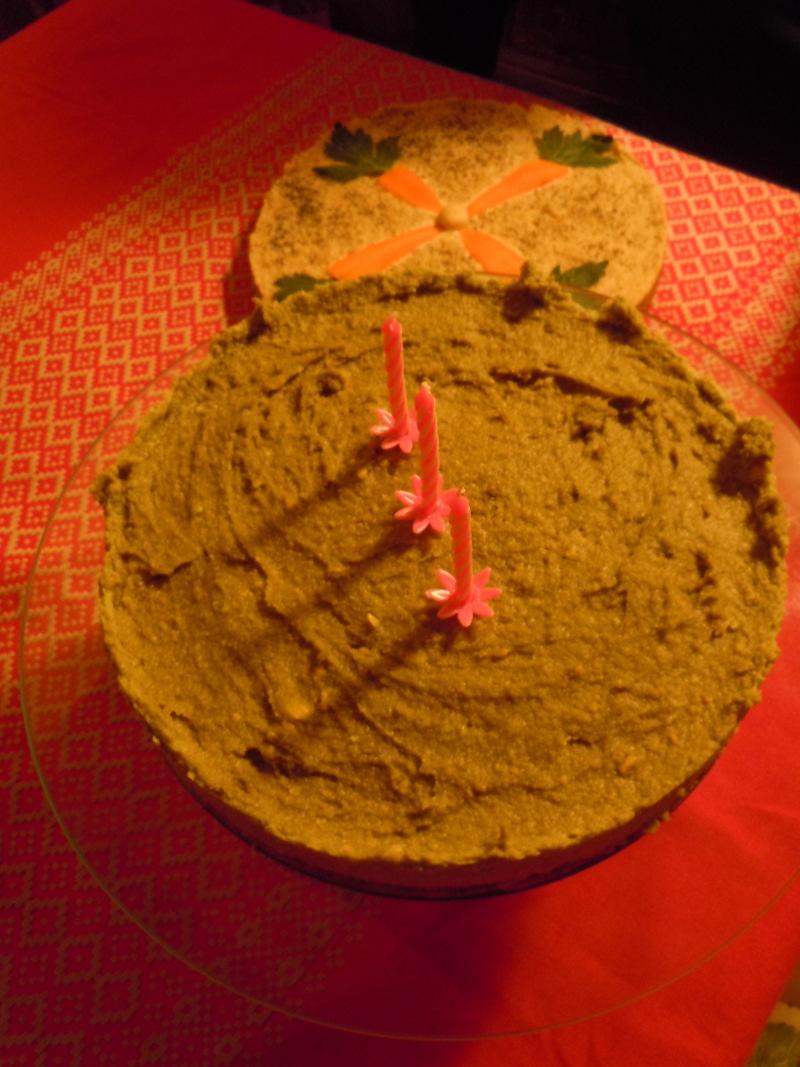 Tort z avocado, orzechow i migdalow (szczegolow nie zdradze, bo z pewnoscia podam przepis na blogu)