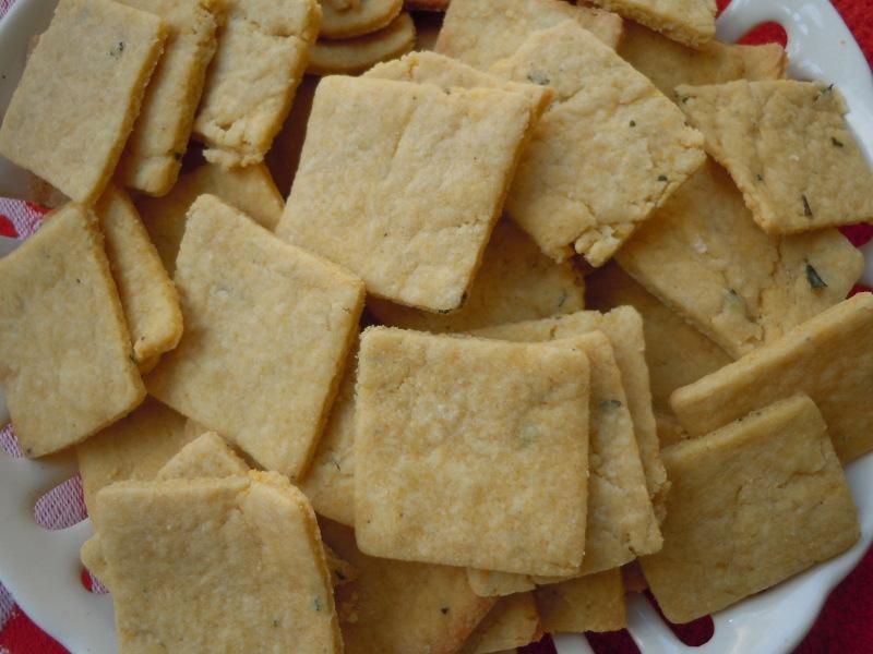 Ciasteczka na mace zytniej ze swiezym rozmarynem