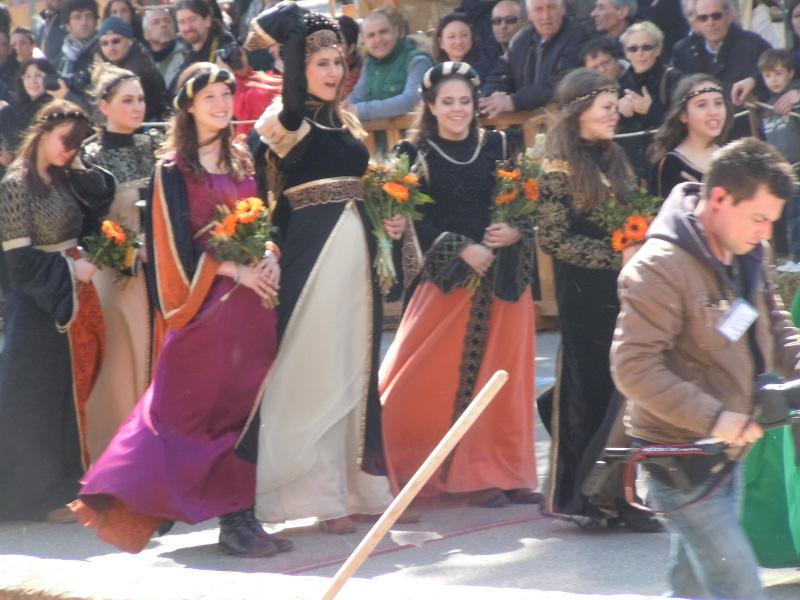 sredniowieczne_suknie_san_casciano_moja_toskania