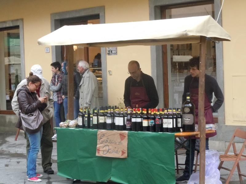 stoisko_z_winem_pistoia_moja_toskania