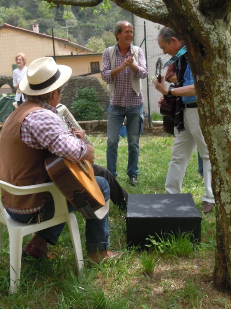 spiewanie_pod_drzewem_san_baronto_moja_toskania