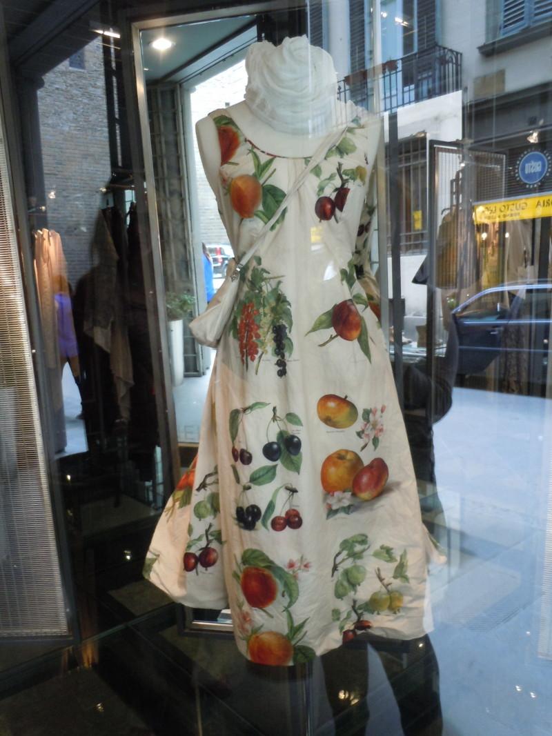 Na te okazje wklejam sukienke z florenckiej witryny.