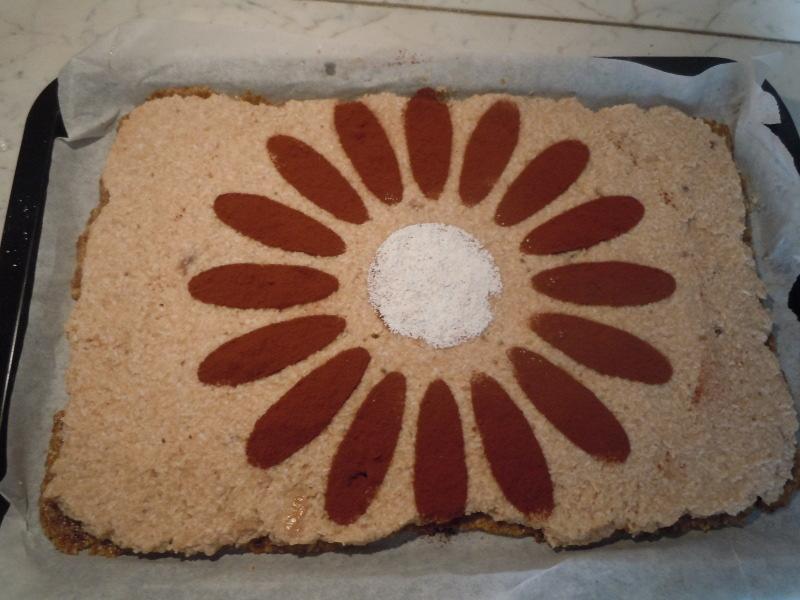 ciasto_raw_food_moja_toskania_z_kakaowym_kwiatkiem