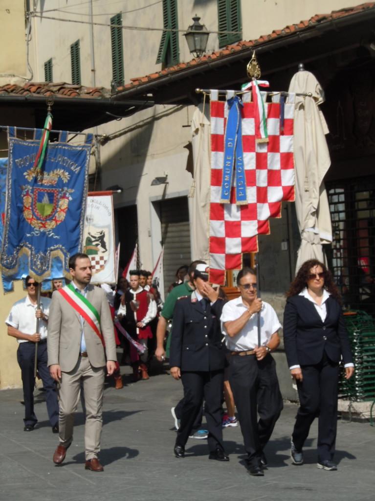burmistrz_w_paradzie_historycznej_moja_toskania_pistoia