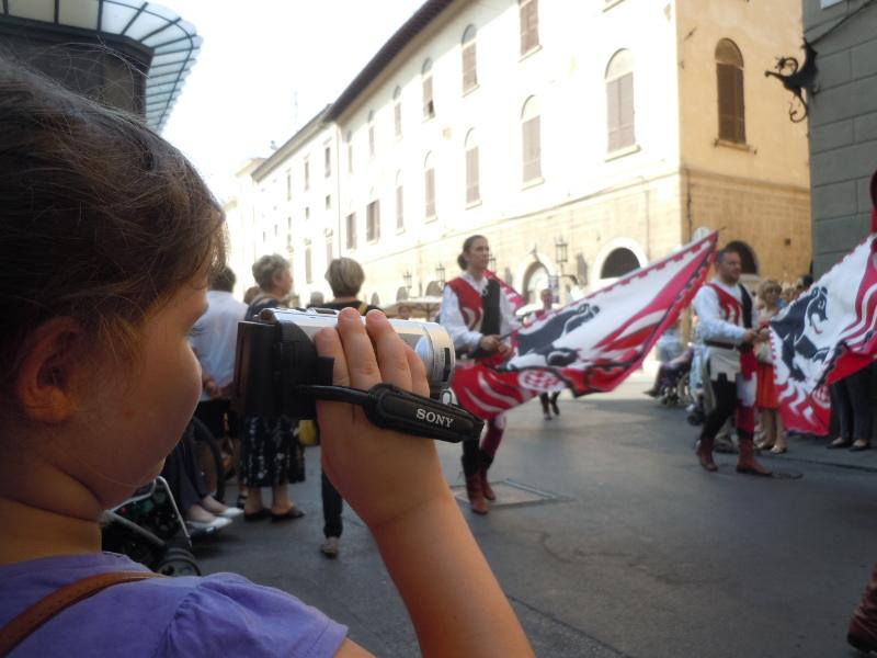 julcia_kreci_parade_sredniowieczna_moja_toskania_pistoia