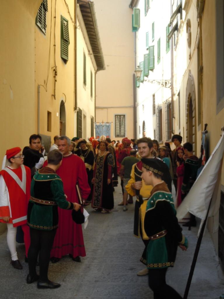 oczekiwanie_na_parade_historyczna_moja_toskania
