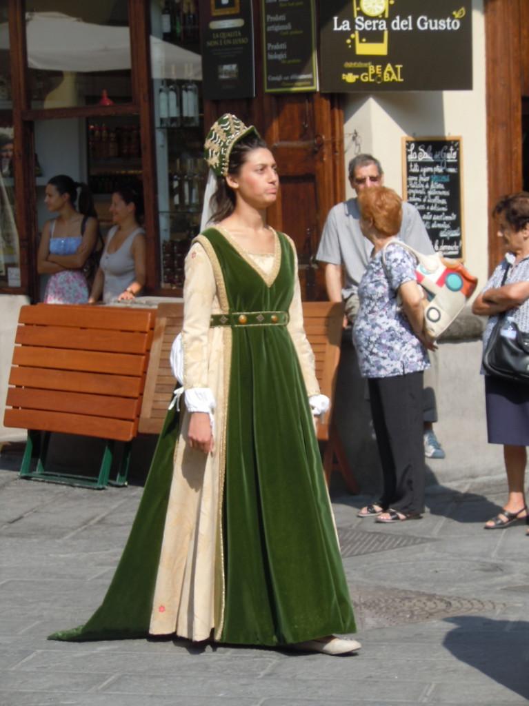pani_w_ciemno_zielonej_sukni_moja_toskania_pistoia