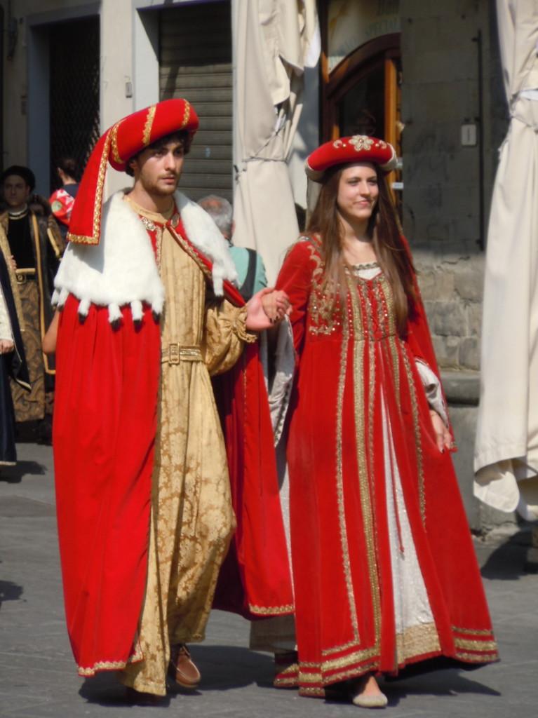 para_w_czerwonym_ubraniu_moja_toskania_pistoia