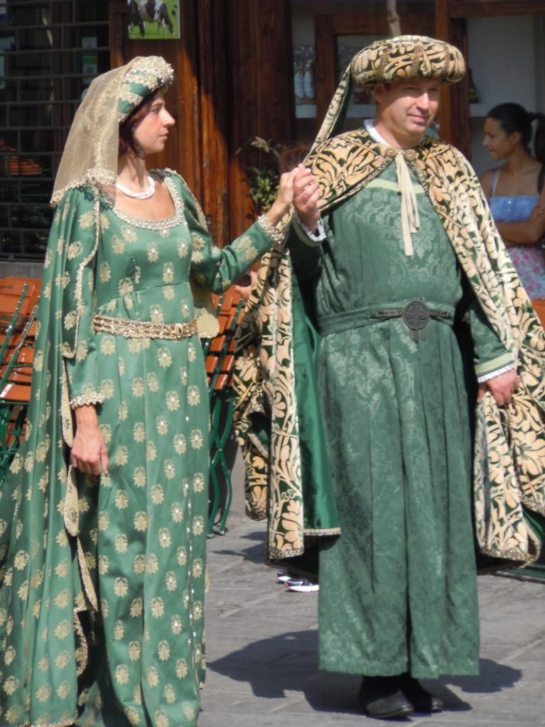 para_w_zielonym_ubraniu_moja_toskania_pistoia
