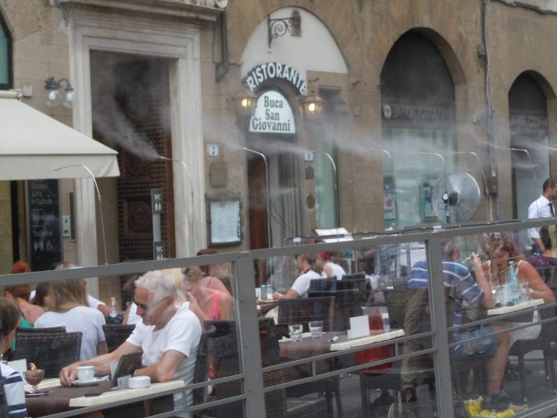 zraszanie_klientow_restauracj_moja_toskania_florencja