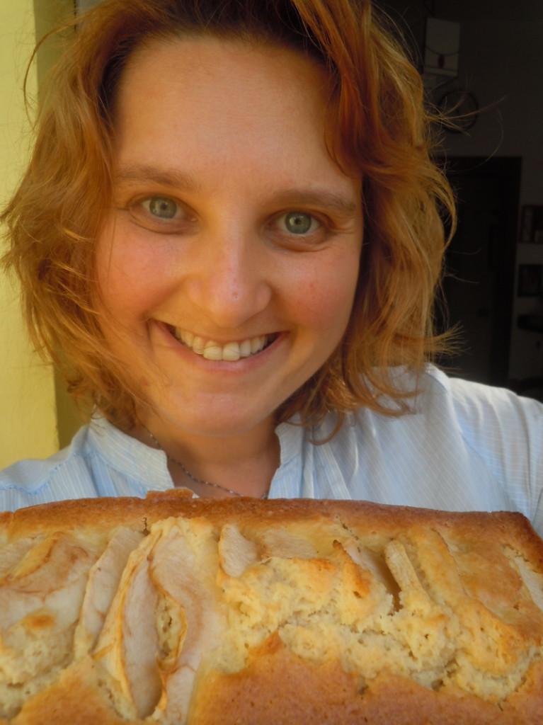 Przepis na to wspaniale cytrynowe ciasto z jablkami juz niebawem na blogu :)