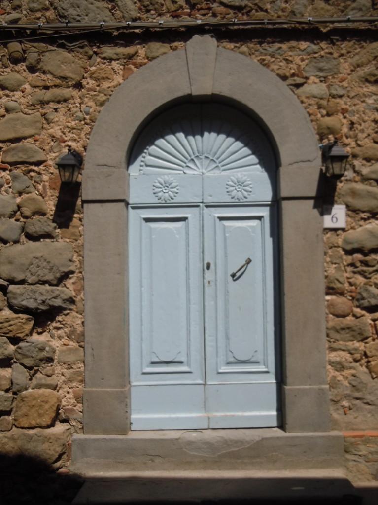 niebieskie_drzwi_moja_toskania_san_quirico