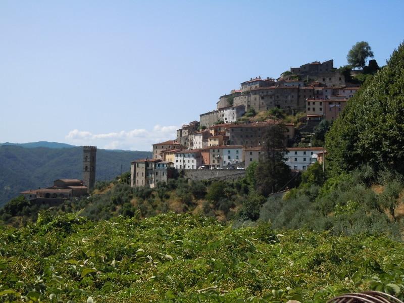 vellano_z_daleka_panorama_moja_toskania