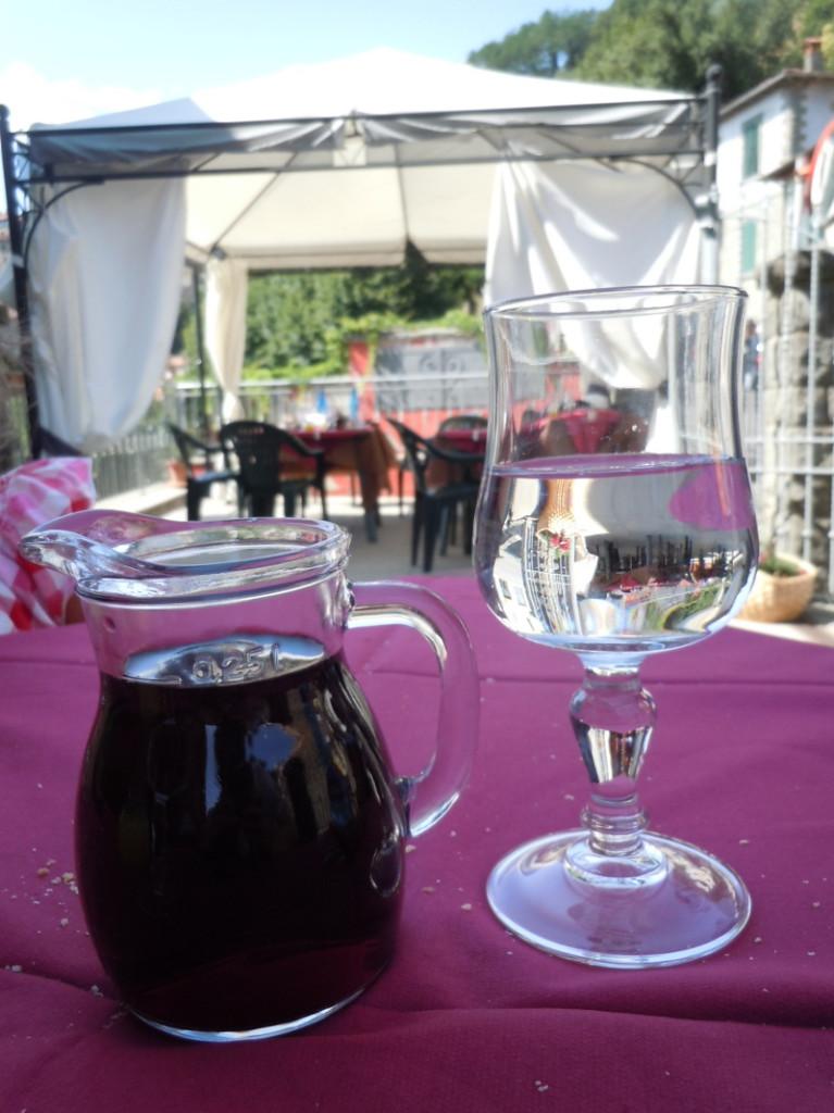 wino_toskanskie_i_woda_moja_toskania_vellano