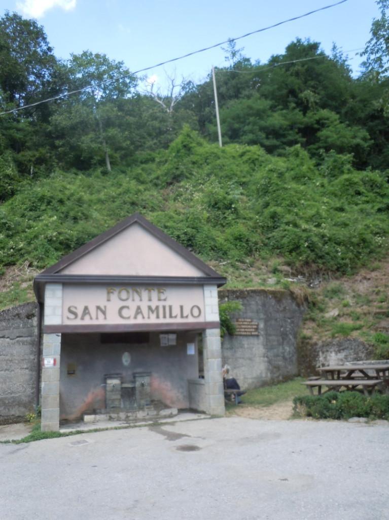 zrodlo_san_camillo_z_daleka_moja_toskania