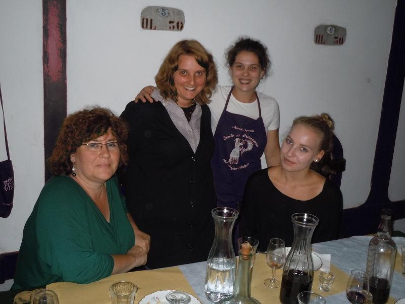 Od lewej: pani Asia, ja, Gabriella, corka pani Asi