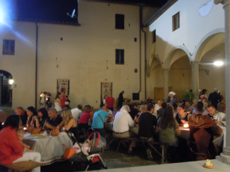 kolacja_sredniowieczna_badia_a_pacciana_moja_toskania