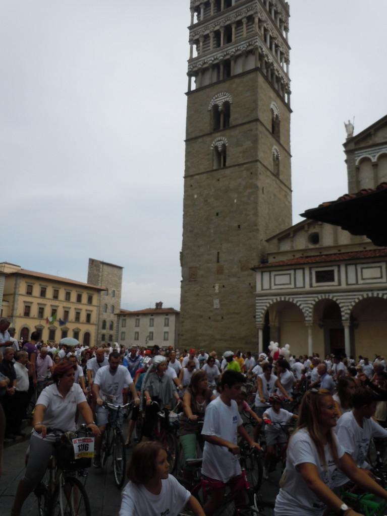 plac_katedry_i_rowery_pistoia_moja_toskania